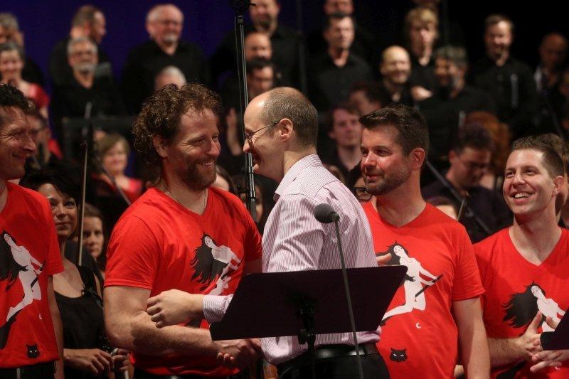 il compositore con gli interpreti