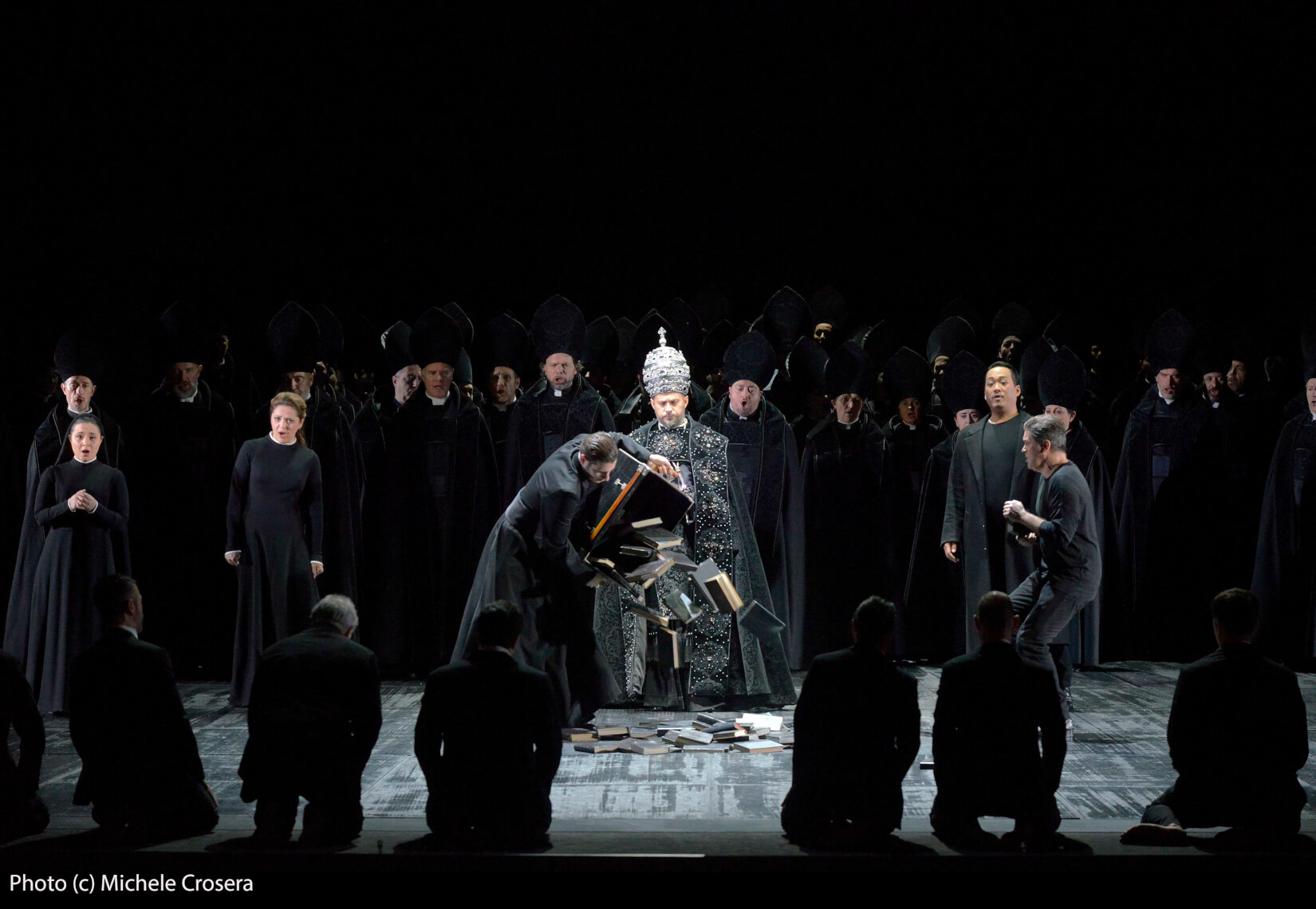 Teatro La Fenice - Don Carlo, a. II.2 sc. 2 - foto @ Michele Crosera