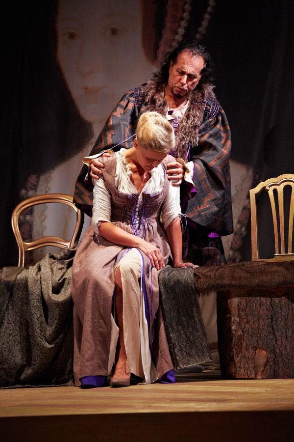Enrico VIII in Anna Bolena - accanto a Ellero d'Artegna c'è Katja Lytting