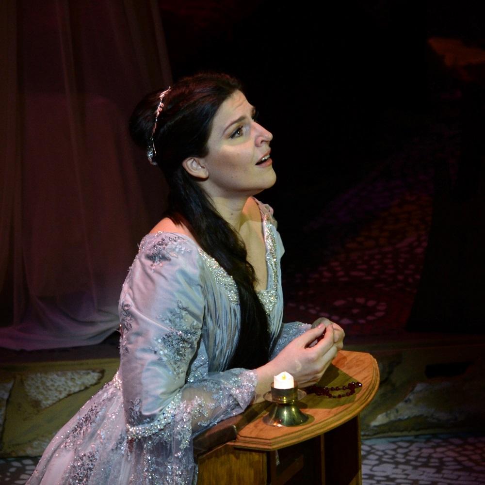 Maija Kovalevska as Desdemona in OTELLO in Guadalajara Copyright - Marco Ayala OFJ