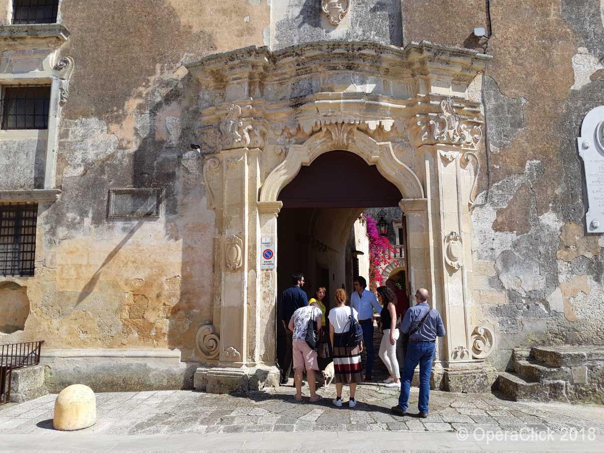 Ingresso del Castello dei Baroni Bacile di Castiglione
