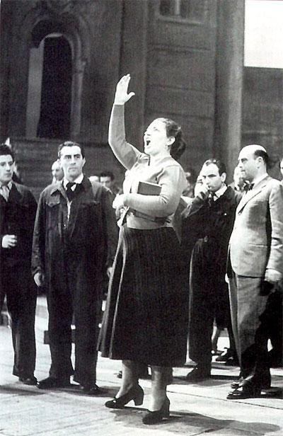 Maria Callas durante le prove di Vespri siciliani alla Scala nel 1951