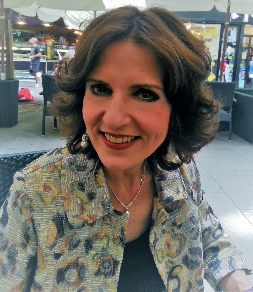 Nicoletta Curiel